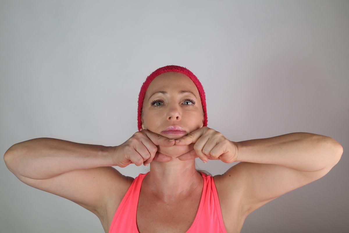 Permanentka 12x Online skupinový trénink obličejové jógy Selavis se Světlanou přes ZOOM + Dáreček z kosmetiky Larens